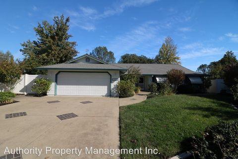 Photo of 4407 Oak Glen Dr, Redding, CA 96001