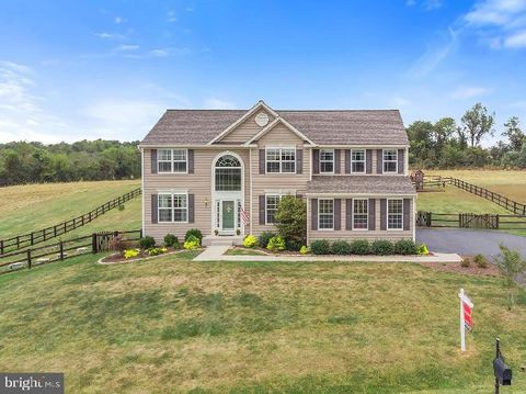 Photo of 36470 Winding Oak Pl, Purcellville, VA 20132