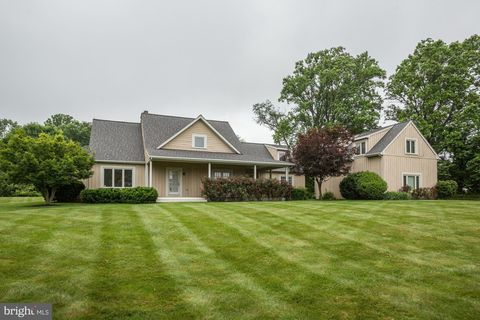 Photo of 13510 Paternal Gift Dr, Highland, MD 20777