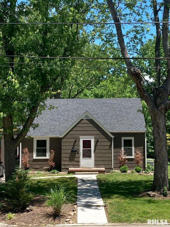 511 N Almond St Carbondale, IL 62901