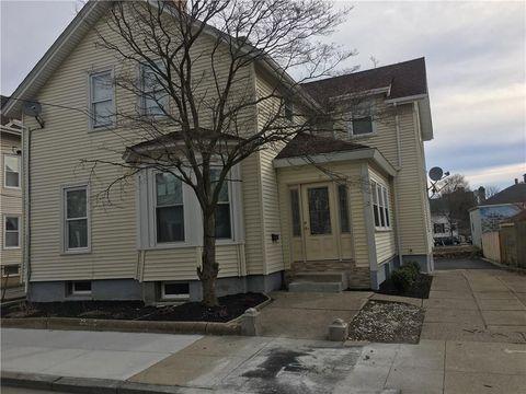 Photo of 32 Garden St Unit 1, Pawtucket, RI 02860
