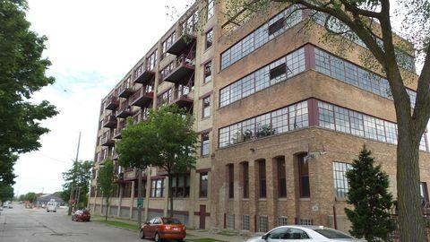 Photo of 215 W Maple St, Milwaukee, WI 53204