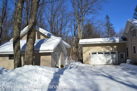 Photo of 12958 Sunset Ridge Ln, Lac du Flambeau, WI 54548