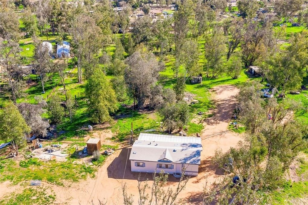 23140 Forrest Rd Perris, CA 92570