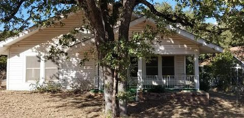 Photo of 912 Cypress St, Ranger, TX 76470