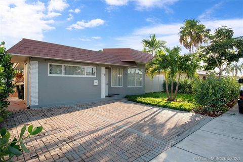 Photo of 716 Ne 7th St, Hallandale Beach, FL 33009