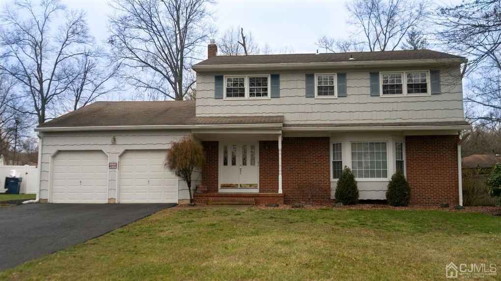 4 Garfield Ct North Brunswick, NJ 08902
