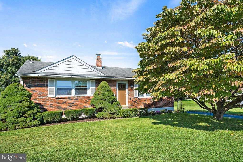 400 Pinecrest Rd Norristown, PA 19403