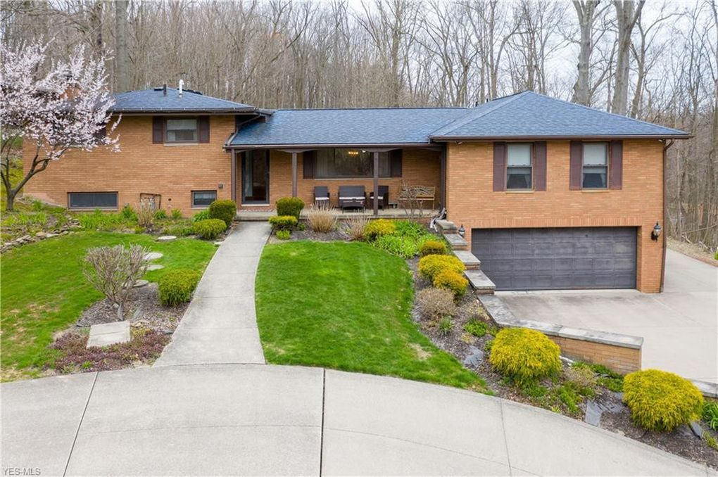 2294 River Rd Willoughby Hills Oh 44094 Realtor Com