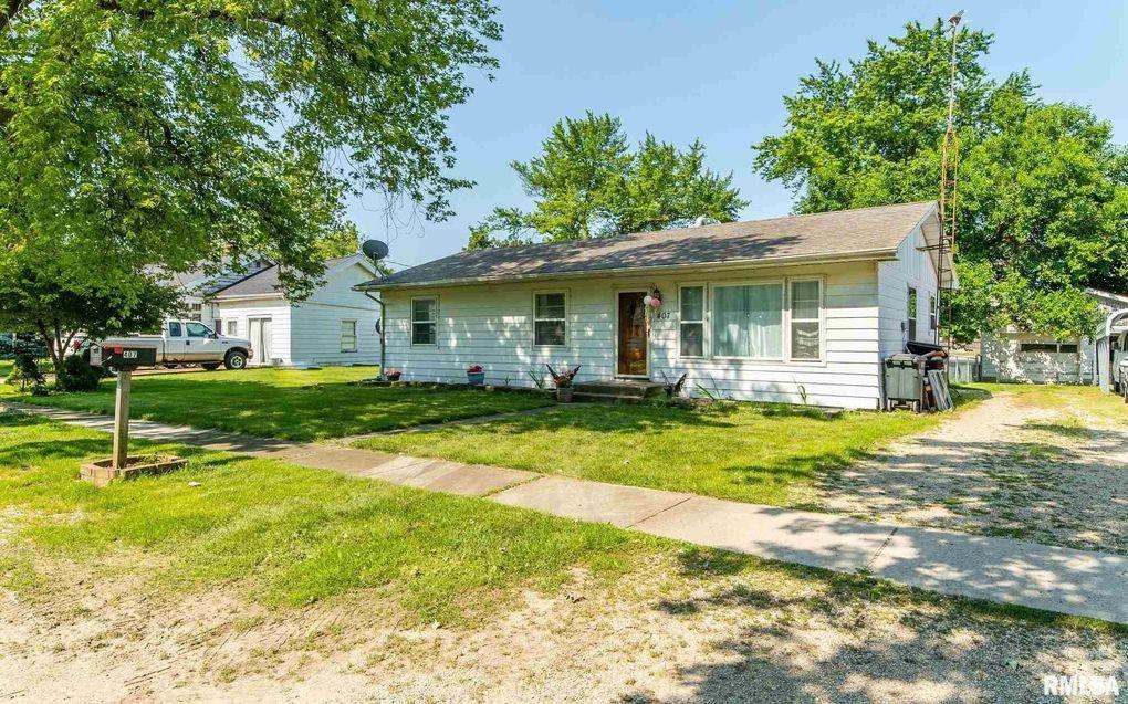 407 S Hamilton St McLean, IL 61754