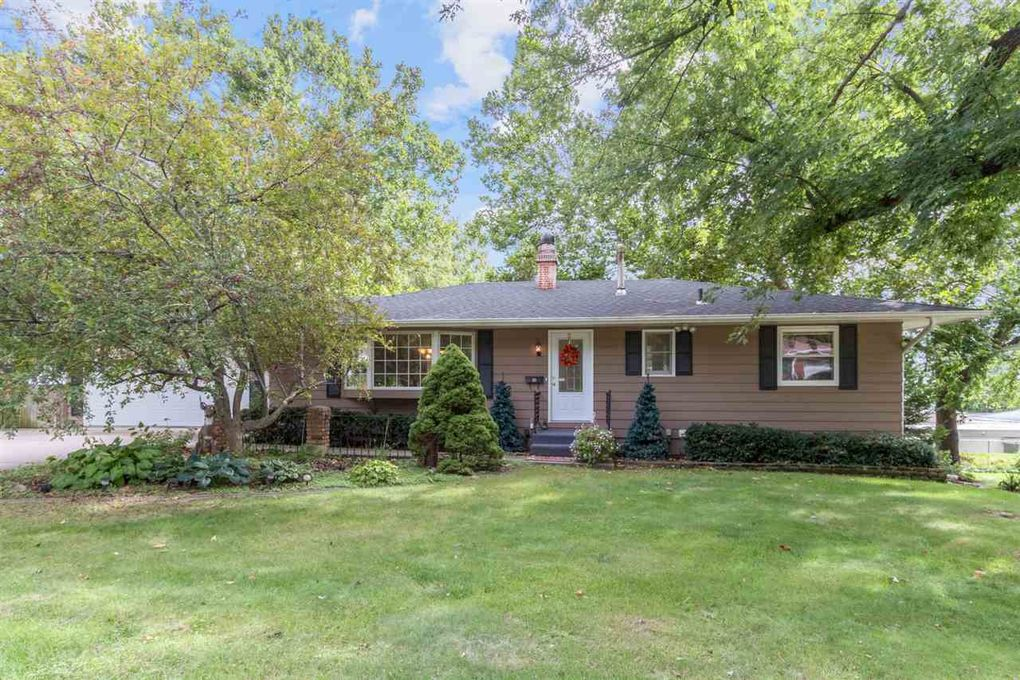 1406 10th St Coralville, IA 52241