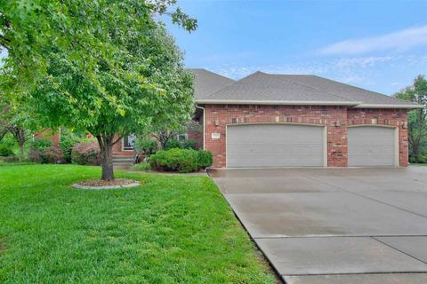 216 N Fiddlers Creek St, Valley Center, KS 67147
