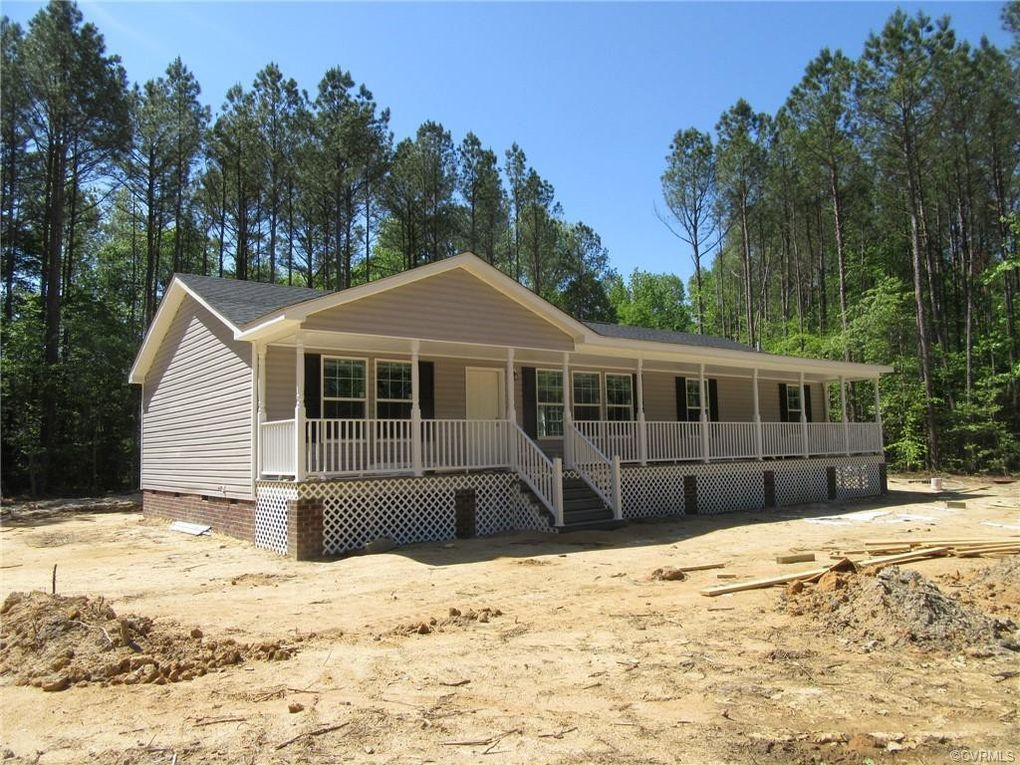 23819 McKenney Hwy Stony Creek, VA 23882