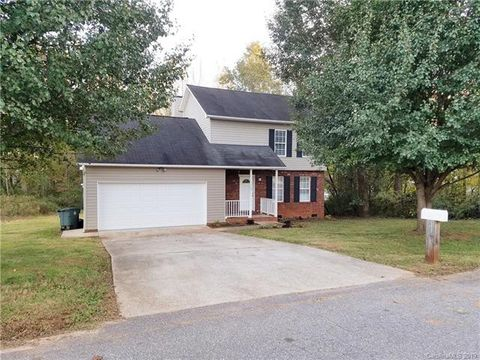 Photo of 1109 Atherstone St Nw, Conover, NC 28613