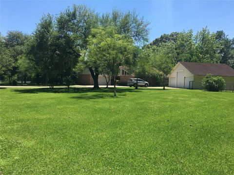 Photo of 2775 N 11th St, Beaumont, TX 77703