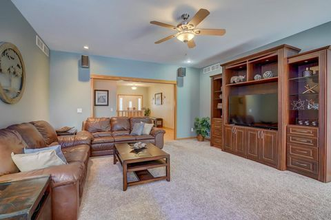 Photo of 6403 Brendan Cir, McFarland, WI 53558