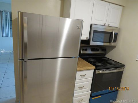 Photo of 3120 Sw 15th Ave Apt E, Fort Lauderdale, FL 33315