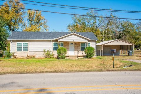 Photo of 600 N Banks St, Caldwell, TX 77836