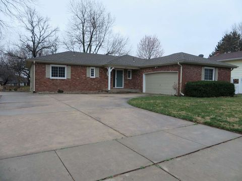 Photo of 210 S Willo Esque Dr, Wichita, KS 67209