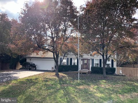 Photo of 6012 Wickenden St, Fredericksburg, VA 22407