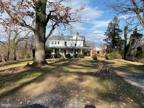 Photo of 4939 Stonewall Jackson Hwy, Bentonville, VA 22610