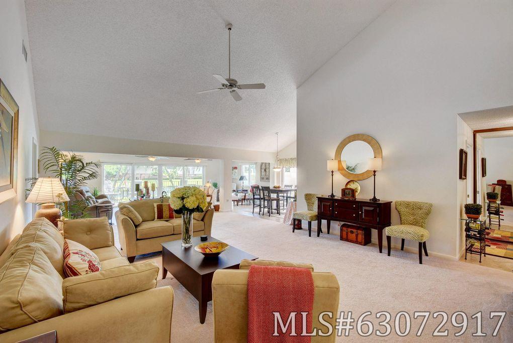 2625 Mohawk Cir West Palm Beach, FL 33409