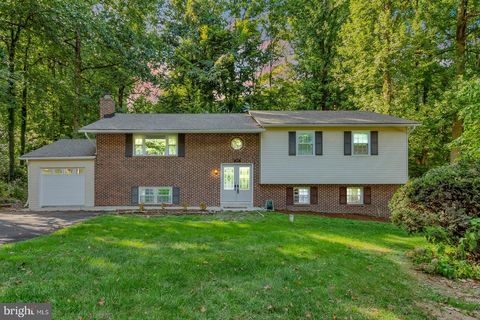 Photo of 9908 Mc Intosh Dr, Dunkirk, MD 20754