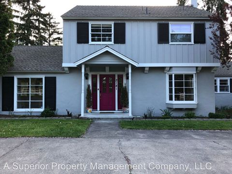 Photo of 2141 Ne 8th St, Bend, OR 97701