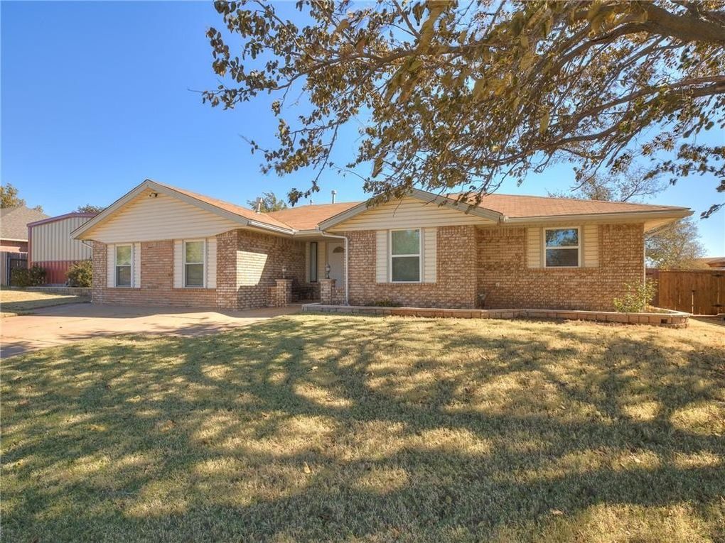 104 Elmwood Ave Weatherford, OK 73096