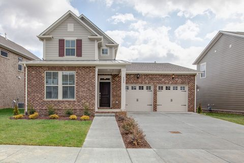 Photo of 131 Picasso Cir, Hendersonville, TN 37075