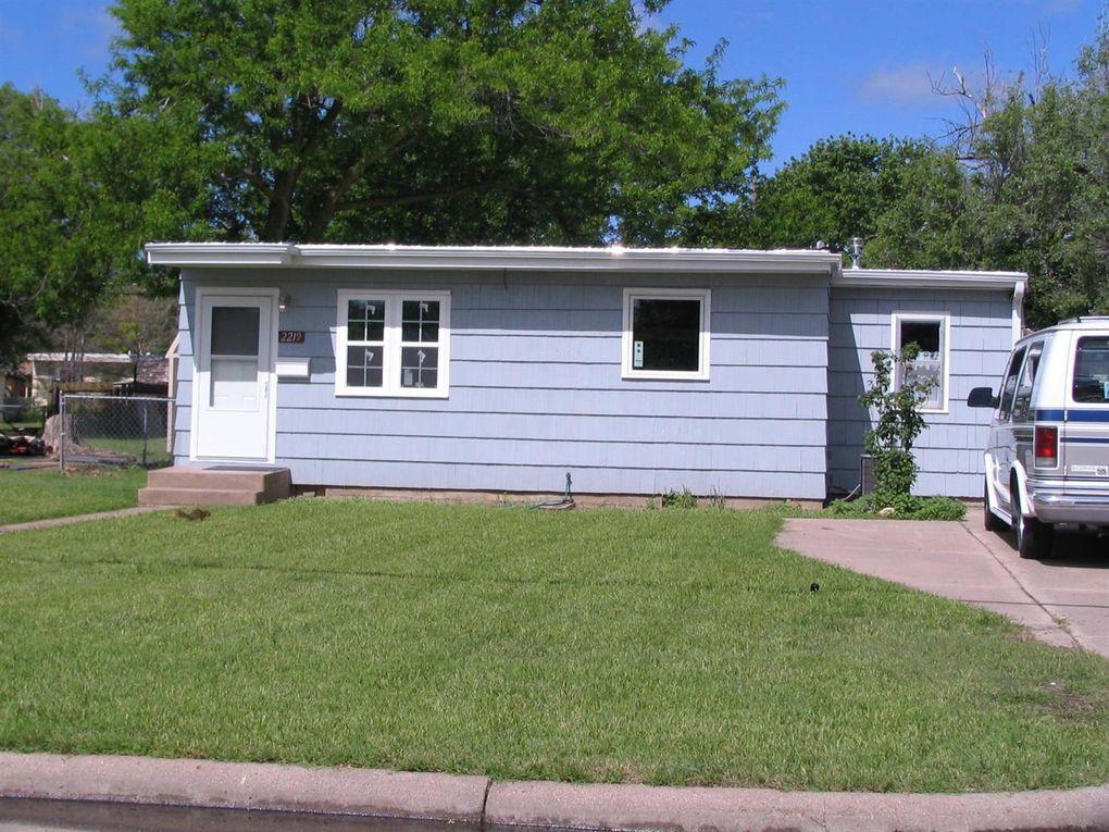 2219 Monroe St Great Bend, KS 67530