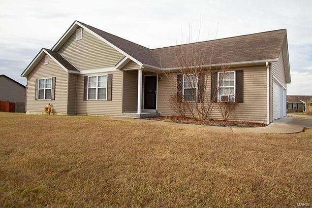 2 Augusta Ct Troy, MO 63379