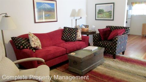 Photo of 120 W C St, Jacksonville, OR 97530