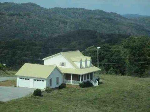 Photo of 328 Summit St, Pounding Mill, VA 24637