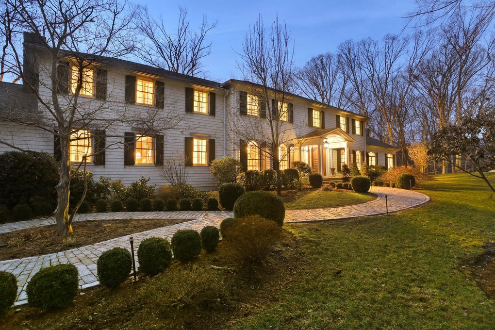 490 Lost District Dr New Canaan, CT 06840