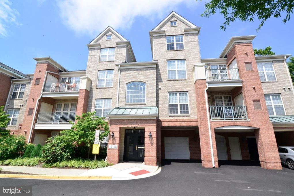 12165 Abington Hall Pl Apt 302 Reston, VA 20190