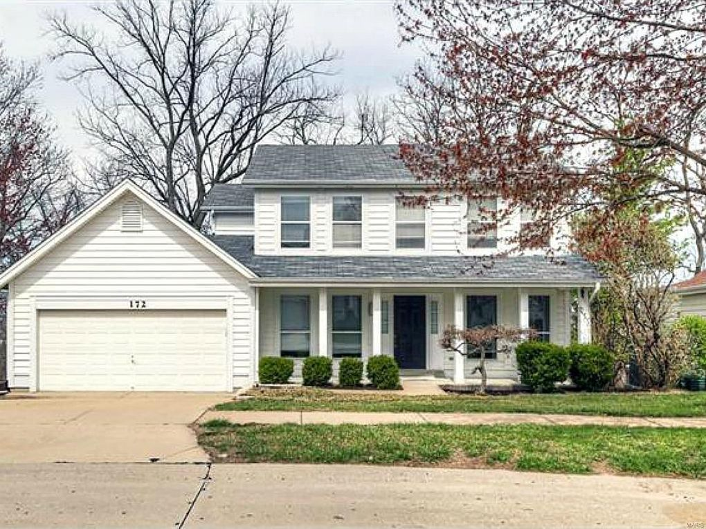 172 Brighthurst Dr Chesterfield, MO 63005