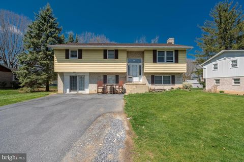 143 Silver Spring Rd, Landisville, PA 17538