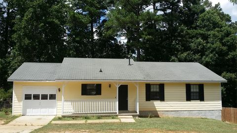 Photo of 1100 Iron Gate Blvd, Jonesboro, GA 30238