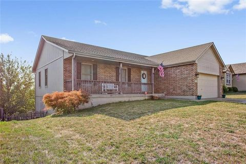 801 Sw Brome Dr, Grain Valley, MO 64029