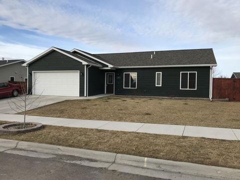 1513 29th Ave S, Great Falls, MT 59405