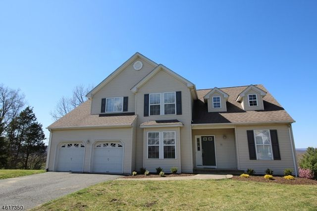 Canada Goose toronto sale price - 71 Canada Goose Dr, Hackettstown, NJ 07840 - 3 beds 3 baths home ...
