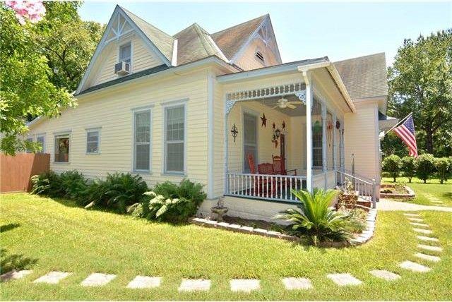 506 gresham st smithville tx 78957 home for sale