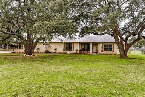 Photo of 2008 Fountainwood Dr, Georgetown, TX 78633