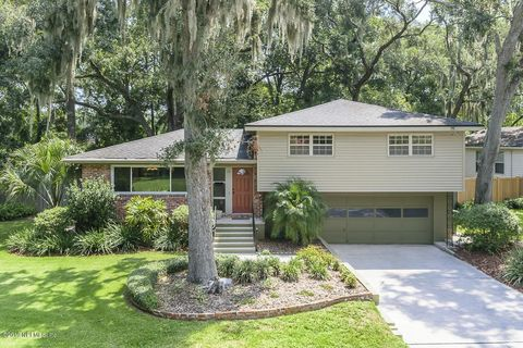 Photo of 19 Oakwood Rd, Jacksonville Beach, FL 32250