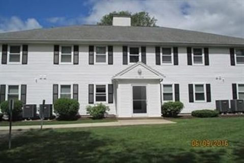 104 Norton Ave Apt 15, Easton, MA 02375