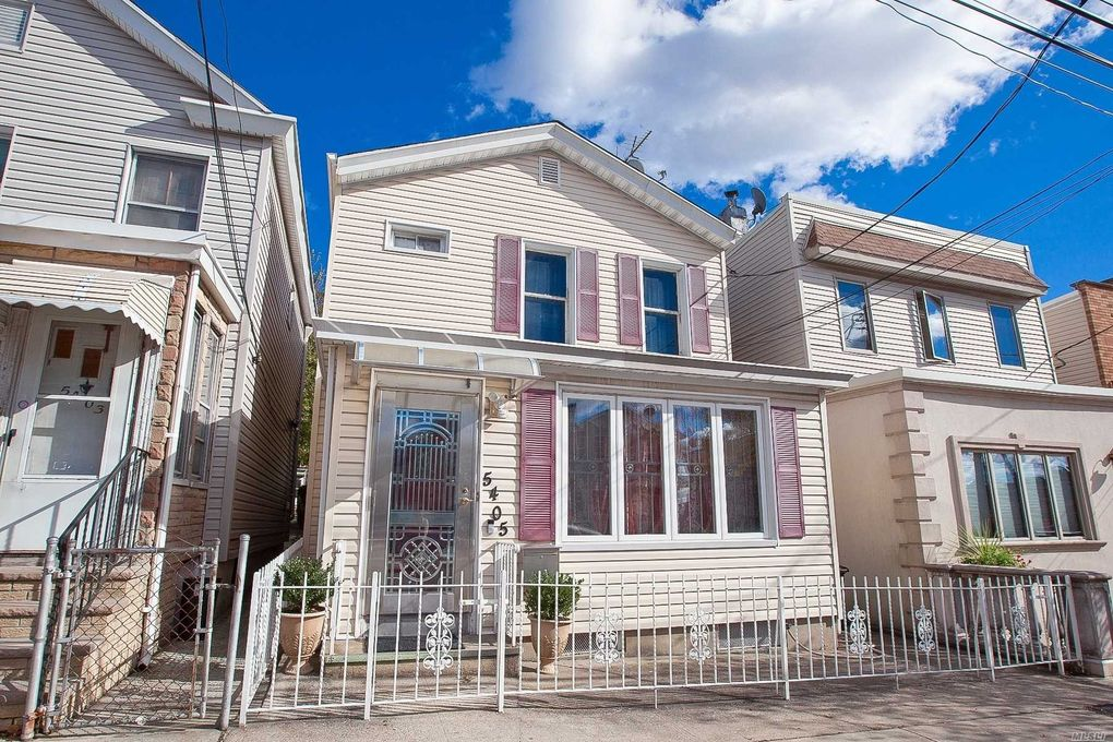 54-05 68th St Maspeth, NY 11378