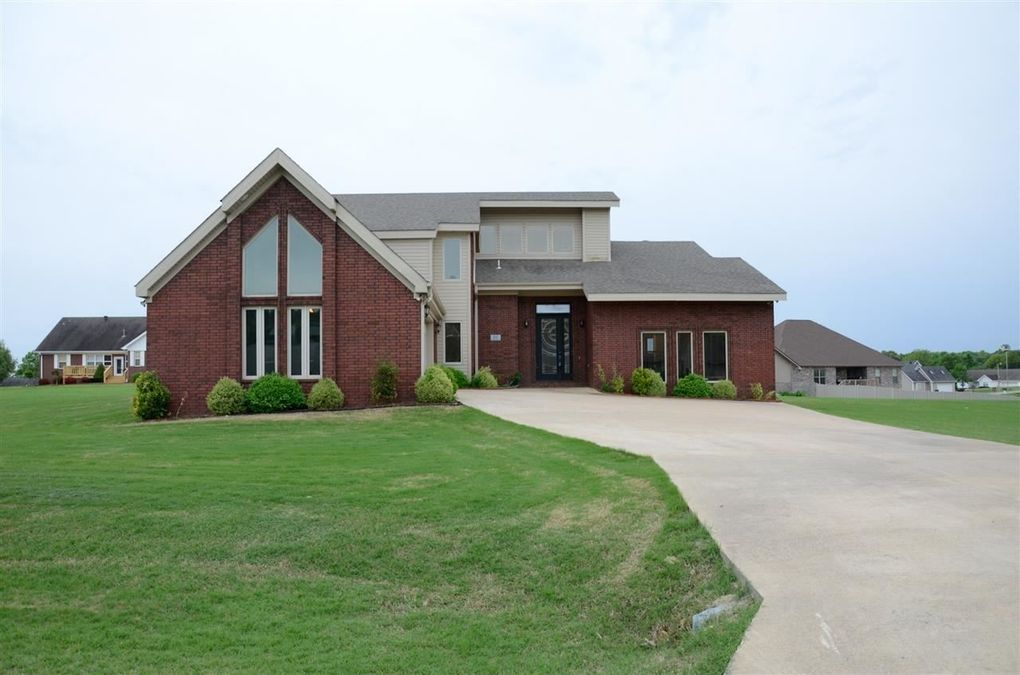 62 County Road 393, Jonesboro, AR 72401