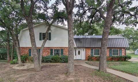 3203 Nw 4th Ave, Mineral Wells, TX 76067