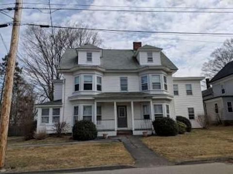 Photo of 11 Church St Apt 2, Hopkinton, MA 01748